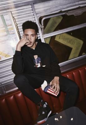 Hanorac Skateboard Bear negru Mister Tee