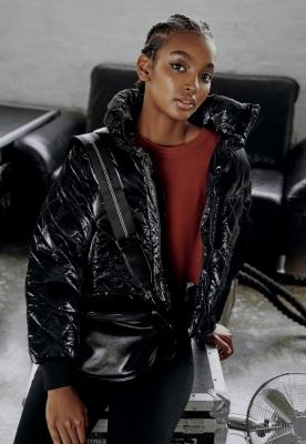 Jacheta Vanish supradimensionat matlasata pentru Femei negru Urban Classics