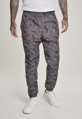 Pantaloni de trening Camo darkdesert-camuflaj Urban Classics