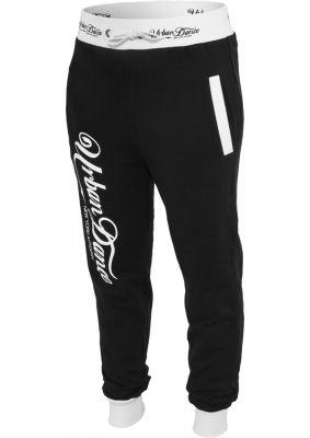Pantaloni de trening cu buzunare si imprimeu pe spate