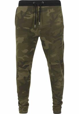 Pantaloni trening Camo oliv-camuflaj Urban Classics
