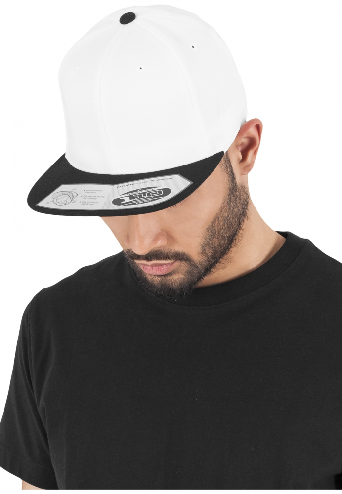 Sepci Rap Snapback 110 Fitted Alb-negru Flexfit